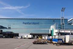 Terminal 2 à l'aéroport de Francfort Photos stock