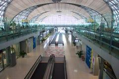 Terminal à l'aéroport de Suvarnabhumi Images libres de droits