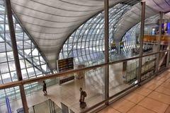 Terminal d'aéroport à l'aéroport de Suvarnabhumi Image libre de droits