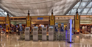 Terminal d'aéroport à l'aéroport de Suvarnabhumi Photo stock