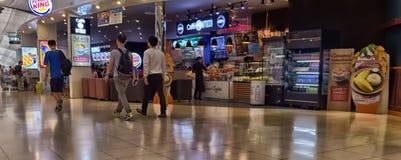 Terminal d'aéroport à l'aéroport de Suvarnabhumi Images libres de droits