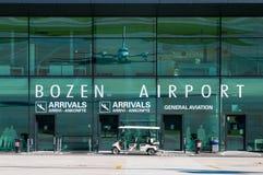 Terminal d'aéroport d'aéroport de Bozen Photographie stock libre de droits