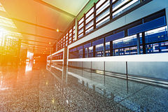 Terminal d'aéroport de pudong de Changhaï, l'intérieur de l'aire de service Photos libres de droits