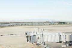 Terminal d'aéroport, Japon, avion à la porte terminale prête pour Photos stock