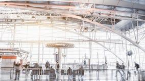 Terminal d'aéroport moderne à l'intérieur Photographie stock