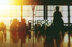 Terminal d'aéroport occupé de silhouette trouble Images libres de droits