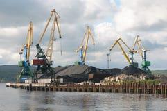 Terminal da carga no porto Murmansk Imagem de Stock