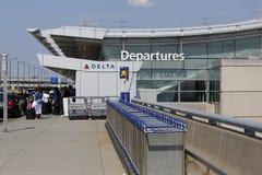 Terminal 4 da linha aérea do delta em John F Kennedy International Airport em New York Imagens de Stock