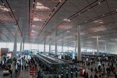 Terminal dans l'aéroport international capital de Pékin en Chine Images stock