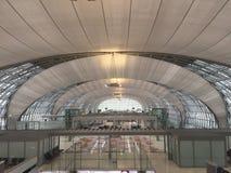 Terminal de aeroporto internacional em Tailândia imagens de stock royalty free