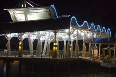 Terminal de bac la nuit photographie stock libre de droits