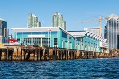 Terminal de bateau de croisière sur Embarcadero à San Diego images stock
