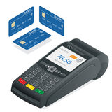 Terminal de carte de crédit sur un fond blanc Terminal de position et carte de débit-crédit, près de technologie des communicatio Photographie stock libre de droits