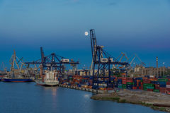 Terminal de contenedores báltica en Gdynia Imagen de archivo libre de regalías