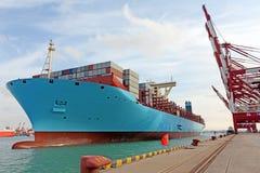 Terminal de contenedores del puerto de Qingdao Fotos de archivo libres de regalías