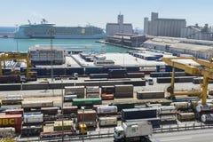 Terminal de contenedores en Barcelona Foto de archivo libre de regalías