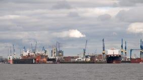 Terminal de contenedores en Hamburgo. Fotografía de archivo libre de regalías