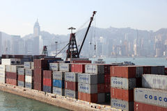 Terminal de contenedores en Hong-Kong Imagenes de archivo