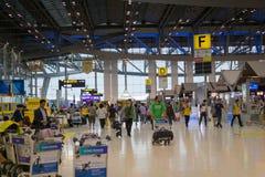Terminal de départ d'aéroport de Suvarnabhumi, Bangkok, Thaïlande Images stock