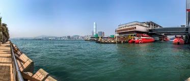 Terminal de Hong Kong - de balsa de Macau em Victoria Habor Imagens de Stock