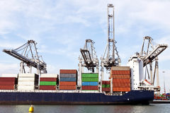 Terminal de navire porte-conteneurs Photographie stock