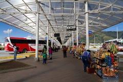 Terminal de ônibus moderno em Quito Fotos de Stock Royalty Free