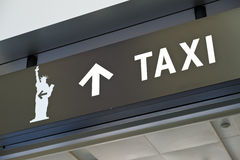 Terminal de Nueva York Staten Island la muestra del taxi Fotos de archivo