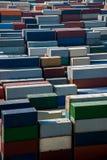 Terminal de récipient économique du port d'eau profonde FTA de Changhaï Yangshan empilant des récipients Photos stock