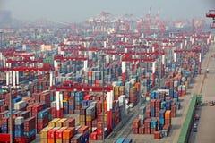 Terminal de récipient de port de Qingdao image stock