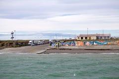 Terminal de transbordadores en Bahia Azul en Tierra del Fuego a lo largo del Estrecho de Magallanes, Chile fotos de archivo libres de regalías