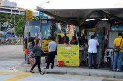 Terminal del coche de Singapur para el transporte del autobús a Johor Bahru Malasia Fotografía de archivo libre de regalías