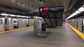 Terminal del subterráneo en Hudson Yards NYC almacen de video
