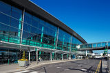 Terminal 2, Dublin Airport, Ierland in November 2010 wordt geopend die Stock Foto's