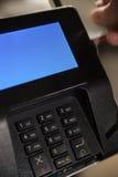 Terminal EFT do pagamento com presente do cartão Imagens de Stock Royalty Free