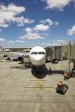 terminal för flygbolagflygplatsstråle Arkivfoto