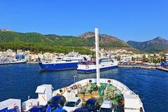 Terminal Grecia de los barcos de Igoumentsa Foto de archivo libre de regalías