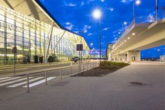 Terminal moderne de Lech Walesa Airport à Danzig Images stock
