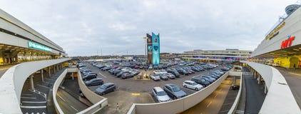 Terminal pour passagers de l'aéroport international de Cologne Bonn Photos libres de droits