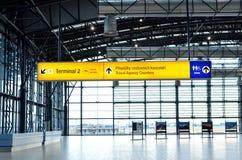 Terminal 2 wskaźnik Vaclav Havel lotnisko Praga Obraz Royalty Free
