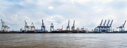 Terminale di contenitore Burchardkai nel porto di Amburgo Immagini Stock Libere da Diritti