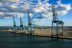 Terminale di contenitore in Fos-sur-Mer, Francia Fotografia Stock Libera da Diritti