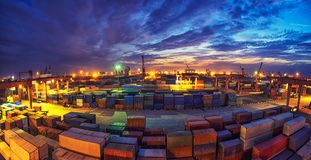 Terminale di contenitore di notte Fotografia Stock