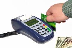 Terminale di pagamento e mano umana Fotografie Stock Libere da Diritti