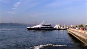 Terminale di traghetto del fiume video d archivio