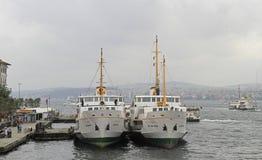 Terminale di traghetto di Karakoy nel centro di Costantinopoli, Turchia Fotografie Stock Libere da Diritti