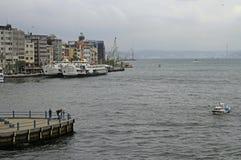 Terminale di traghetto di Karakoy nel centro di Costantinopoli, Turchia Immagini Stock Libere da Diritti
