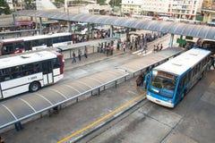 Terminus de bus de Bandeira Photos libres de droits