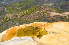 Termisk mineralisk vårHierve el Agua, Oaxaca, Mexico 19th Maj 2015 Royaltyfria Foton