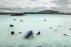 Termiska vårar med smaragdvatten iceland blå lagun royaltyfri foto
