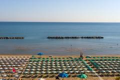 Termoli (Molise, Italië) - het strand bij ochtend Stock Afbeeldingen
